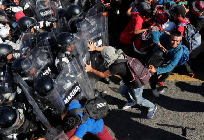 SE ENFRENTAN INDOCUMENTADOS A GUARDIA NACIONAL