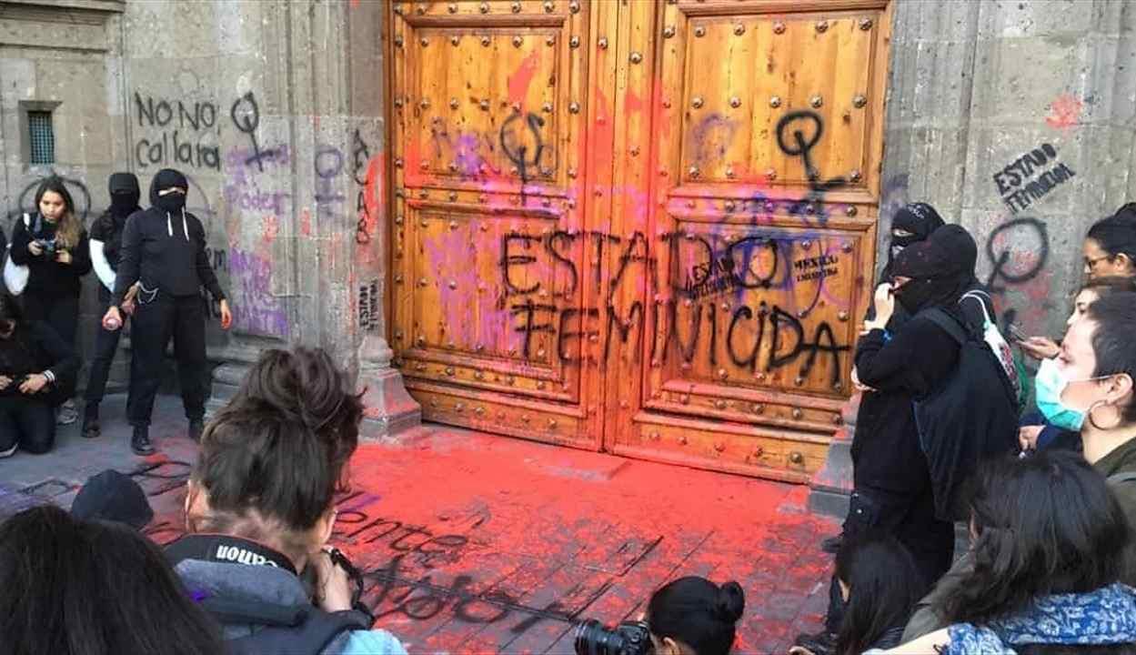 FEMINISTAS MARCHAN POR HOMICIDIO DE INGRID