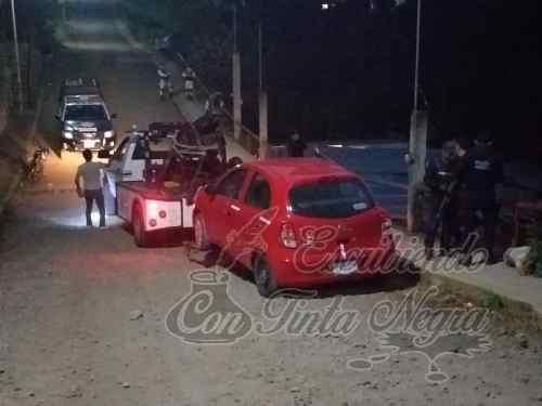 POLICÍA DE ZENTLA ASEGURA AUTO ROBADO