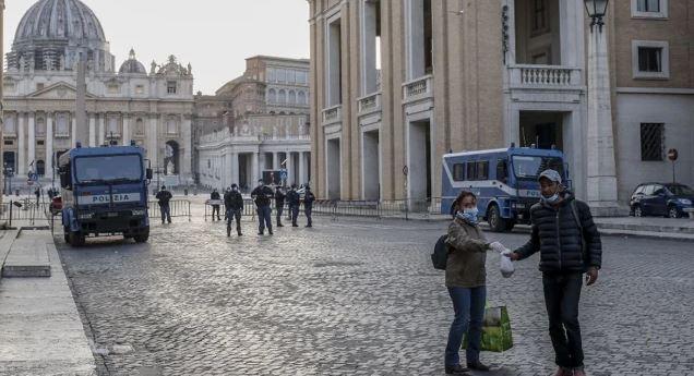 ITALIA REGISTRA POR PRIMERA VEZ BAJA EN NUEVOS CONTAGIOS DE COVID-19
