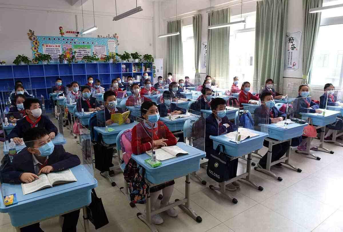 INICIA REGRESO A CLASES EN CHINA BAJO MÁXIMA SEGURIDAD