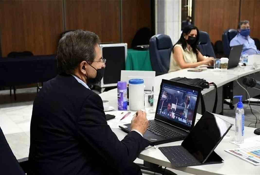 SISTEMA EDUCATIVO NO ESTÁ LISTO PARA CLASES EN LÍNEA