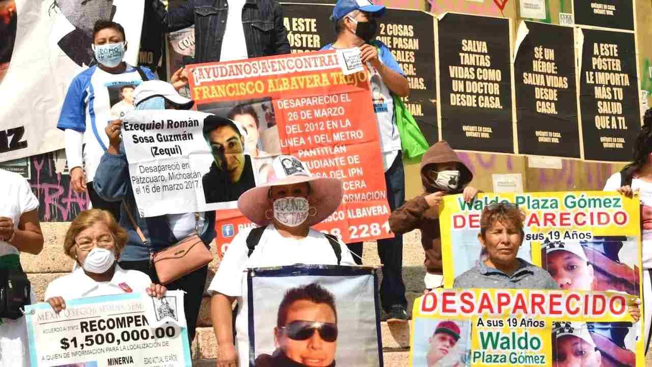 MADRES DE DESAPARECIDOS VIOLAN LA CUARENTENA PARA PROTESTAR