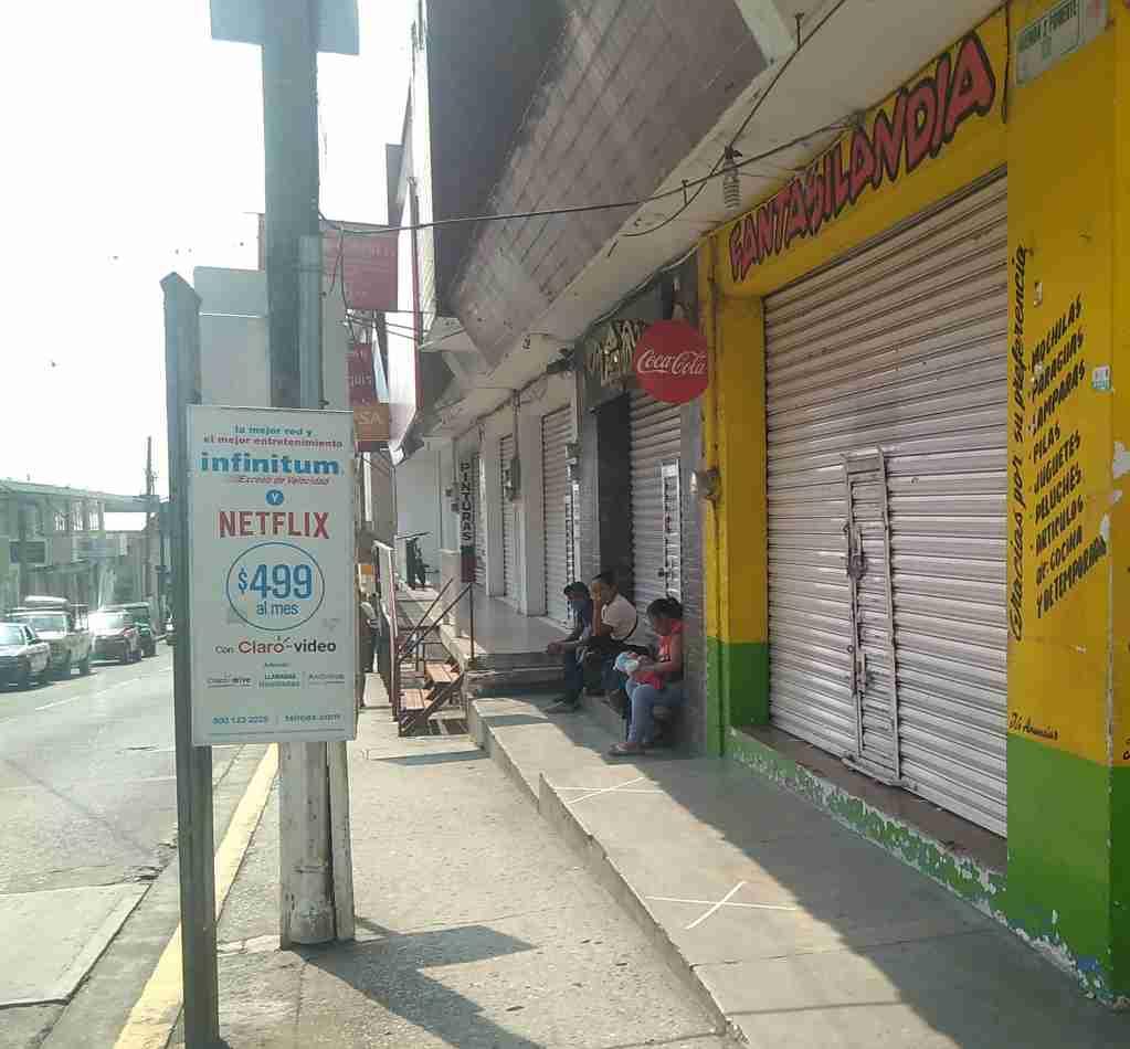 CERRADOS, MÁS DE 80 LOCALES EN HUATUSCO