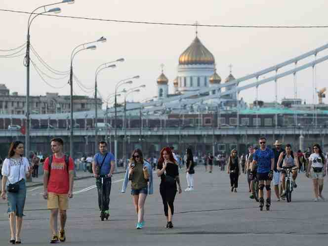 RUSIA REABRE FRONTERAS Y PONE FIN A CUARENTENA EN MOSCÚ