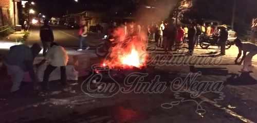 """QUEMAN CASA EN TOTUTLA; SSP DETIENE A """"LOS CASTILLO"""""""