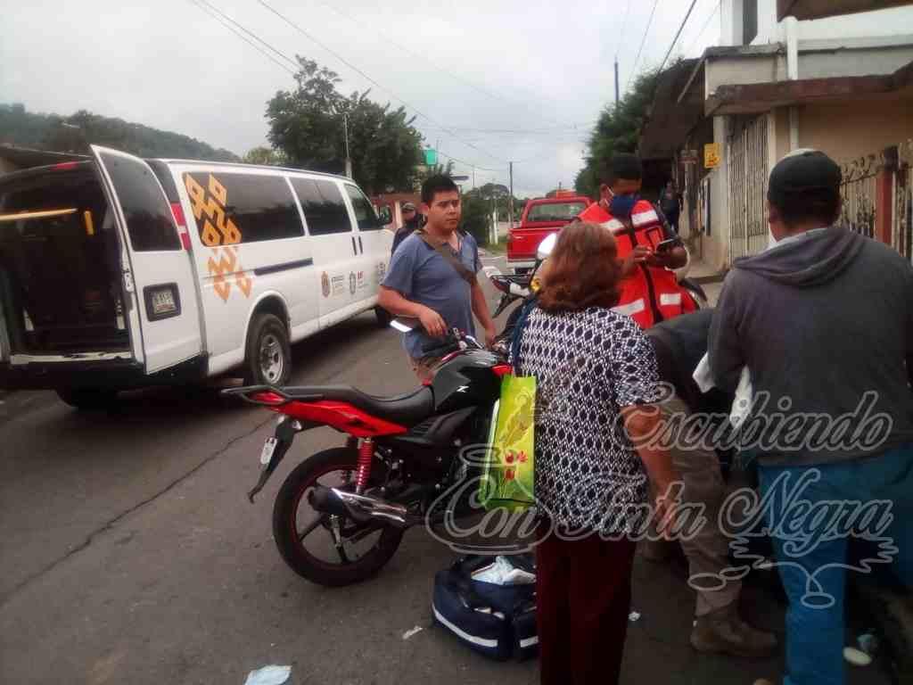 DERRAPAN MOTOCICLISTAS EN TOMATLÁN