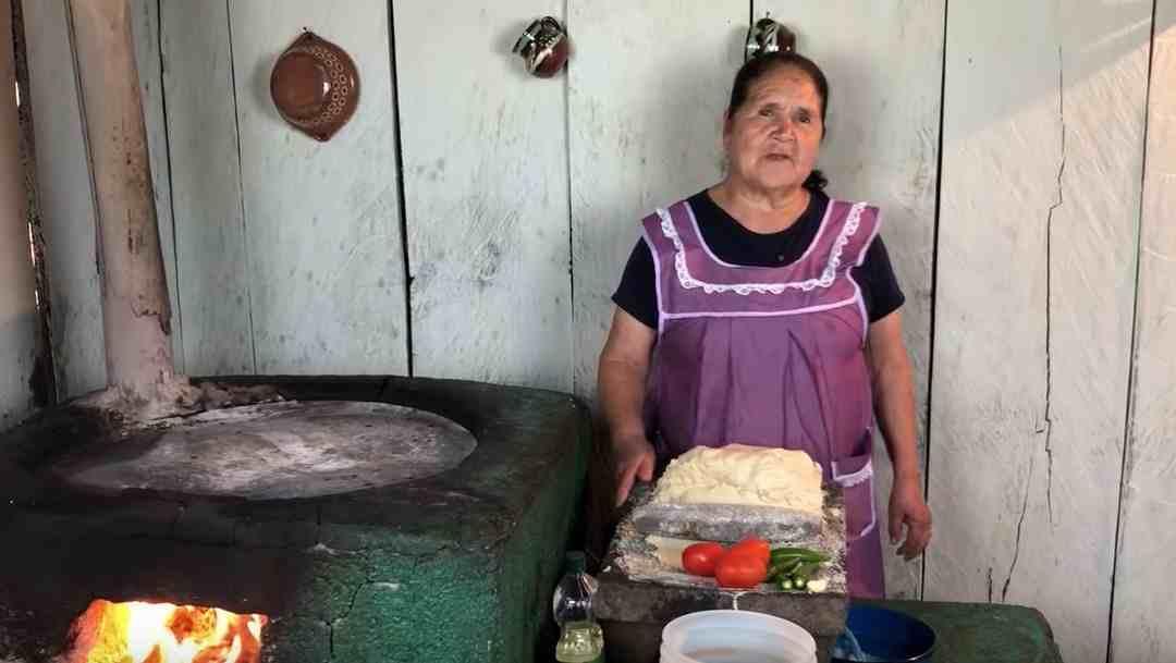DOÑA ÁNGELA, CREADORA DE 'DE MI RANCHO A TU COCINA', ENTRE LAS 100 MUJERES MÁS PODEROSAS DE MÉXICO
