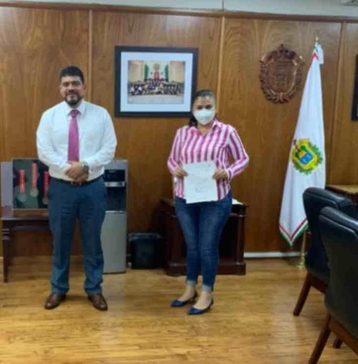 BUSCA ALCALDESA DE HUATUSCO APOYO PARA SECTOR EDUCATIVO