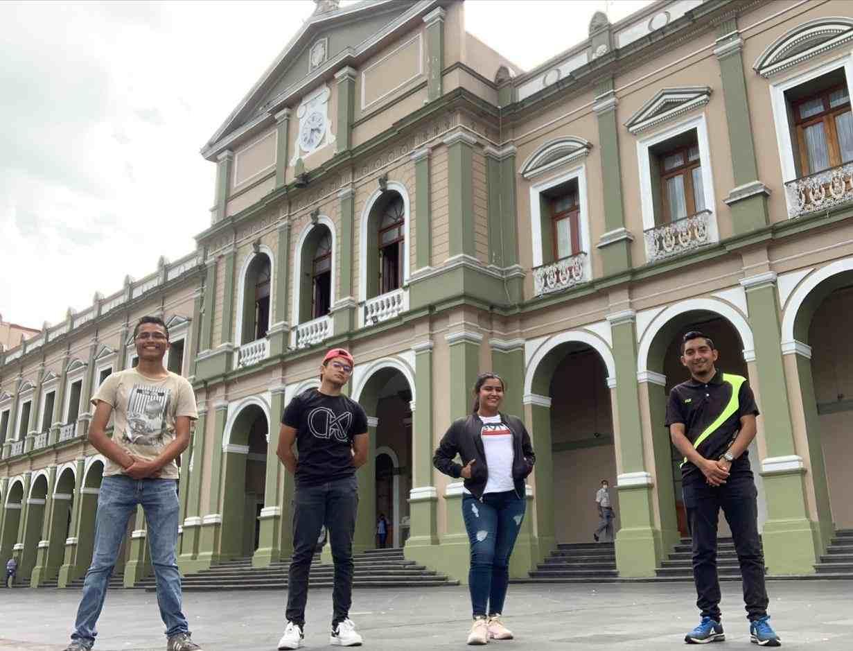 ESTUDIANTES DE UTCV OBTIENEN BECA PARA ESTUDIAR EN FRANCIA