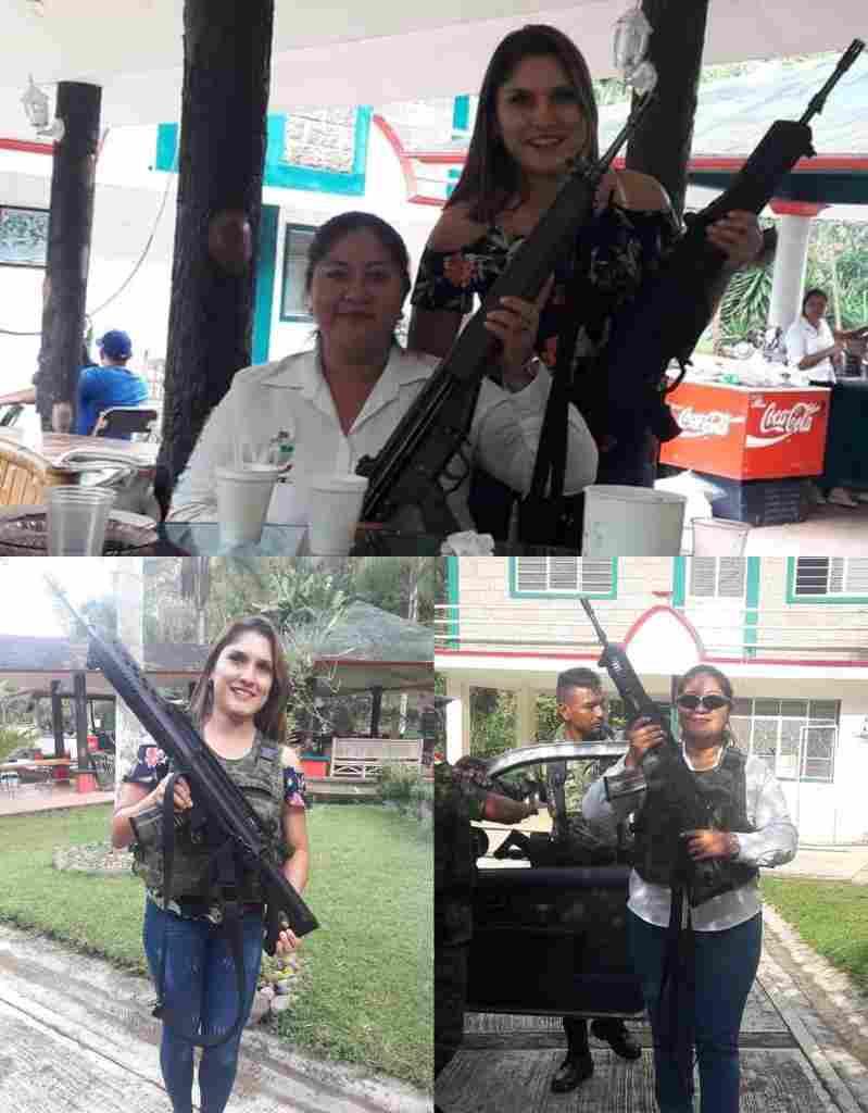 EXHIBEN A FUNCIONARIAS DE TEOCELO POSANDO CON ARMAS DE USO EXCLUSIVO DEL EJÉRCITO