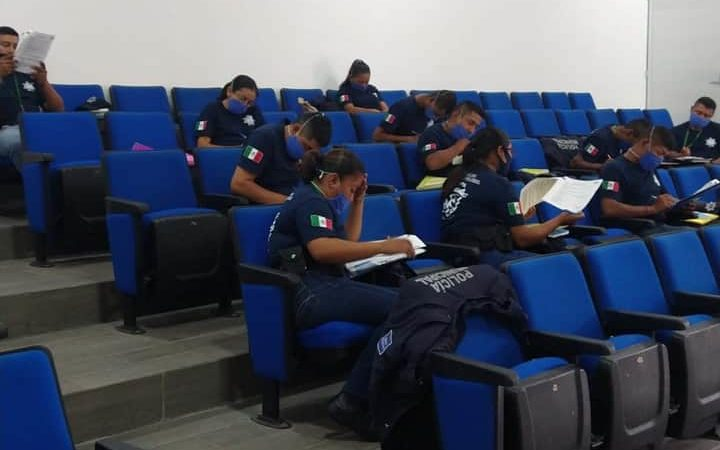 OCHO POLICÍAS DE ORIZABA, EN AISLAMIENTO POR COVID