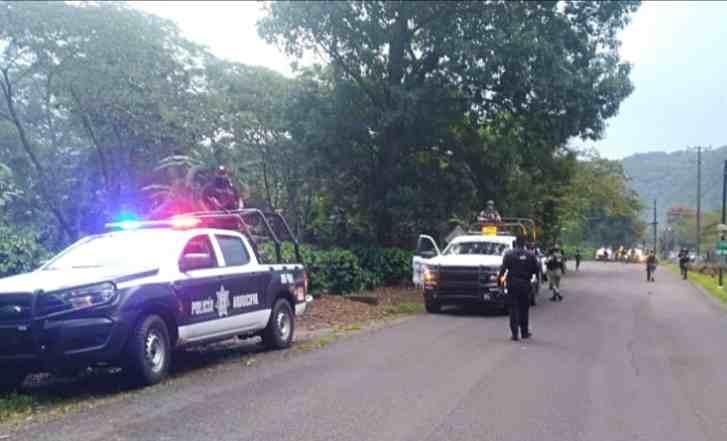 IMPLEMENTAN OPERATIVO POLICIACO EN IXHUATLÁN