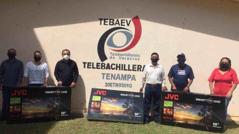 ENTREGA DIPUTADO TELEVISORES A TELEBACHILLERATO DE TENAMPA