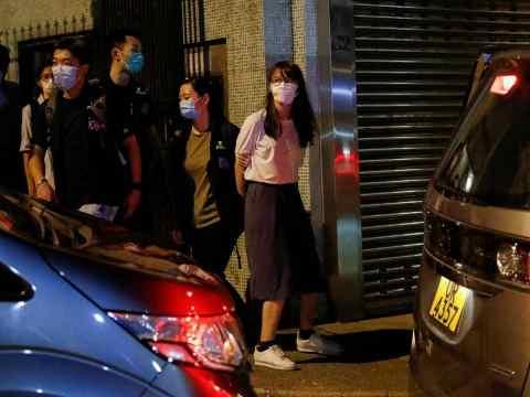 POLICÍA DE HONG KONG DETIENE A MÁS ACTIVISTAS PRODEMOCRACIA