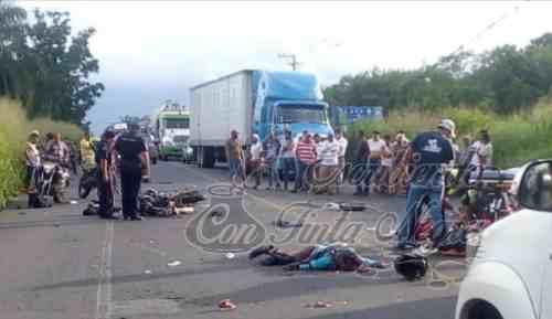 MUERE PAREJA DE MOTO CLUB DE ORIZABA EN ACCIDENTE
