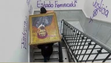 AMLO CUESTIONA PROTESTAS DE MUJERES QUE TOMARON OFICINAS DE LA CNDH