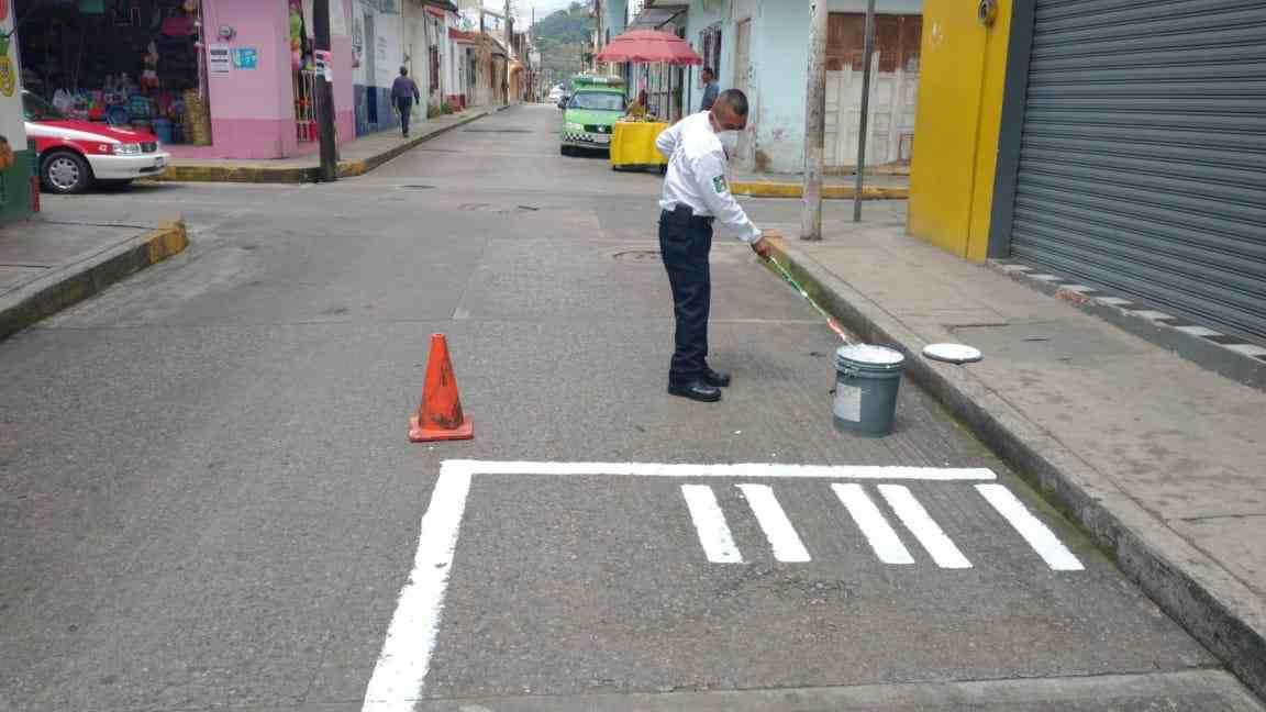 EN HUATUSCO NO SE SABEN ESTACIONAR