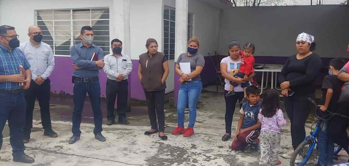 """ORDENAN DESALOJO DE FAMILIAS DE """"EL HORNO"""" DE HUILOAPAN"""