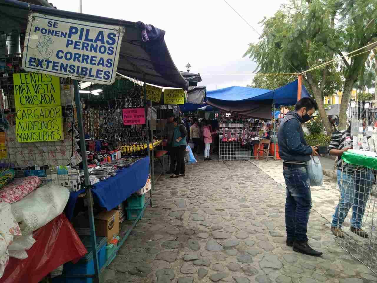 REPORTAN BAJAS VENTAS EN PLAZA DE COSCOMATEPEC