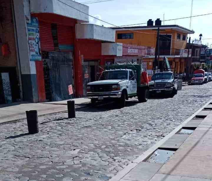 COMERCIANTES SE ADUEÑAN DE LAS CALLES DE COSCOMATEPEC