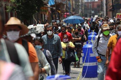MÉXICO REBASA LAS 83 MIL MUERTES POR COVID-19