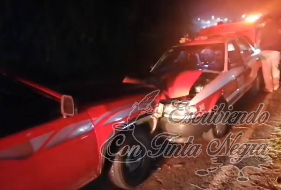 CHOCA TAXI CONTRA CAMIONETA EN HUATUSCO