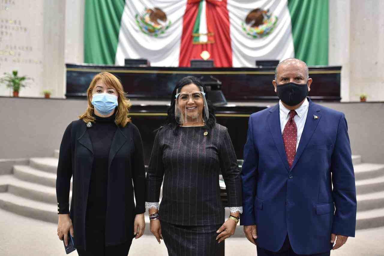 DESIGNAN A ADRIANA LINARES CAPITANACHI COMO PRESIDENTA DEL CONGRESO DE VERACRUZ