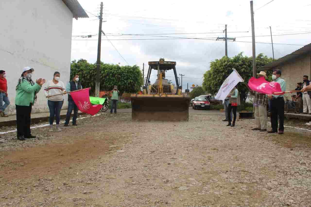PAVIMENTARÁN CALLES EN COLONIA CENTENARIO DE HUATUSCO