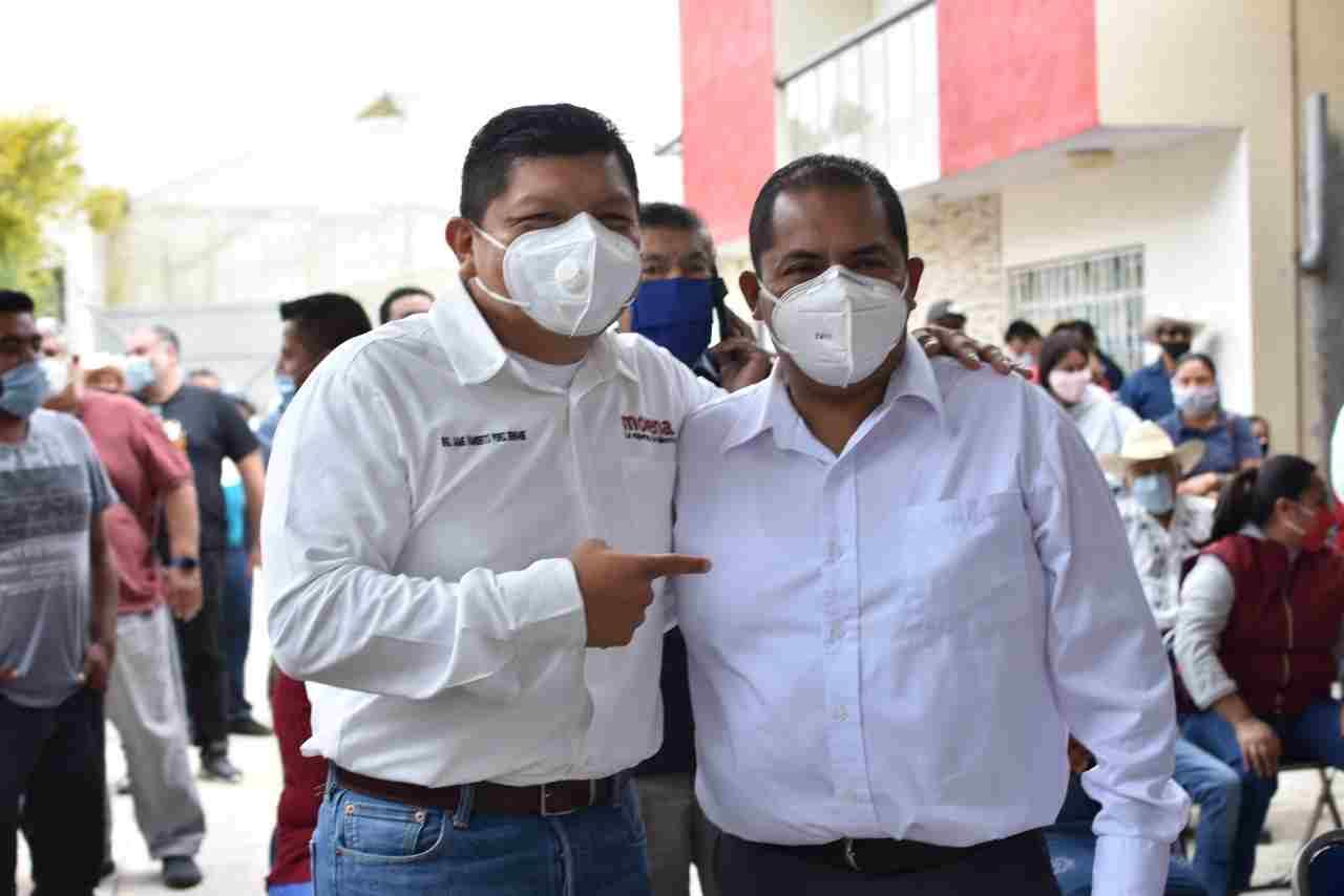 MILITANTES DEL MORENA CIERRAN FILAS EN TORNO A ANTONIO FLORES CANCINO