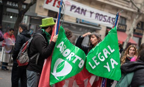 PRESIDENTE DE ARGENTINA ALISTA PROYECTO DE LEY PARA LEGALIZAR EL ABORTO