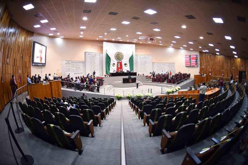 CONGRESO RECIBE DEL GOBERNADOR PROPUESTA DE LEY DEL CENTRO DE CONCILIACIÓN LABORAL