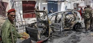 MUEREN AL MENOS SIETE PERSONAS TRAS ATENTADO SUICIDA CON BOMBA EN SOMALIA