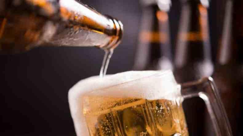 PROPONE DIPUTADO MODIFICAR EDAD MÍNIMA PARA LA VENTA DE BEBIDAS ALCOHÓLICAS
