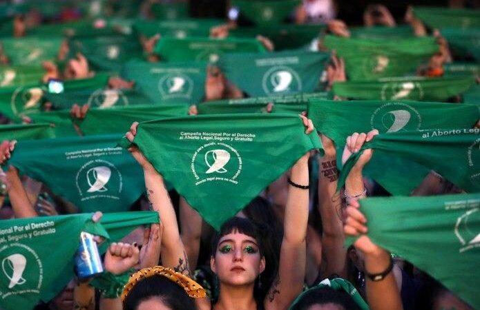 DIPUTADAS ANALIZAN DESPENALIZACIÓN DEL ABORTO EN CHILE