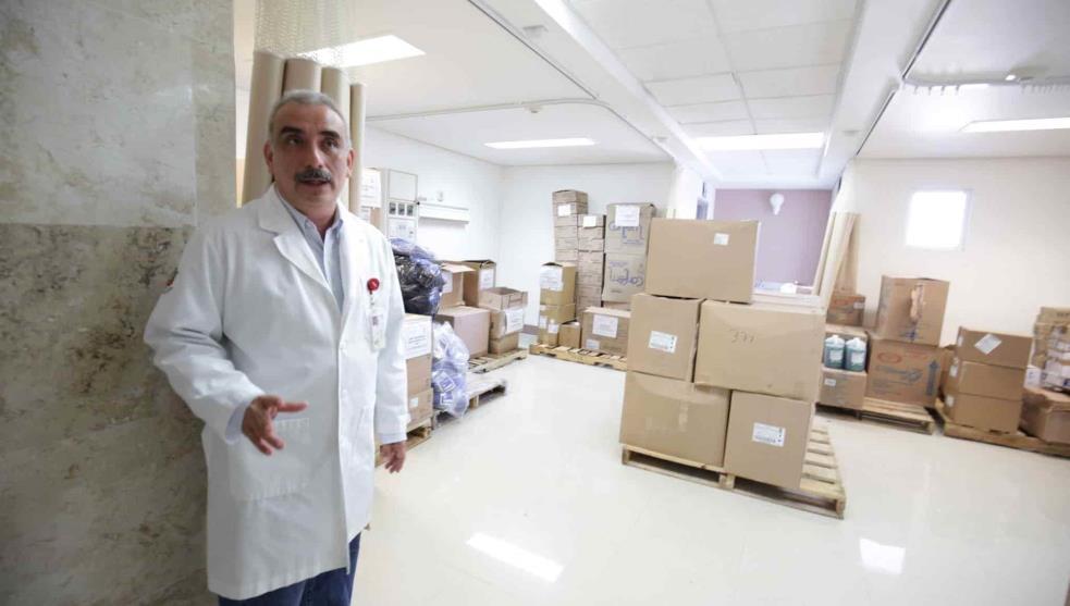 CESAN A DIRECTOR DE HOSPITAL EN TABASCO POR VACUNARSE CUANDO NO LE TOCABA