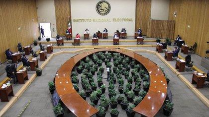 PARTIDOS DEBERÁN INTEGRAR INDÍGENAS Y AFROMEXICANOS EN CANDIDATURAS PARA DIPUTACIONES
