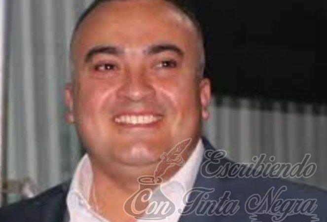 ALCALDE CONVIERTE PALACIO MUNICIPAL EN CANTINA