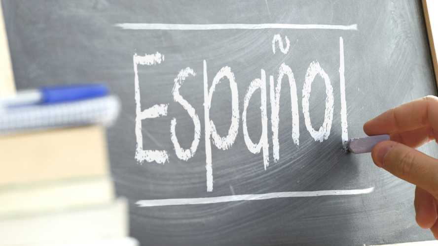 BUSCAN MAESTROS MEXICANOS PARA SER ASISTENTES DE ESPAÑOL EN EE.UU