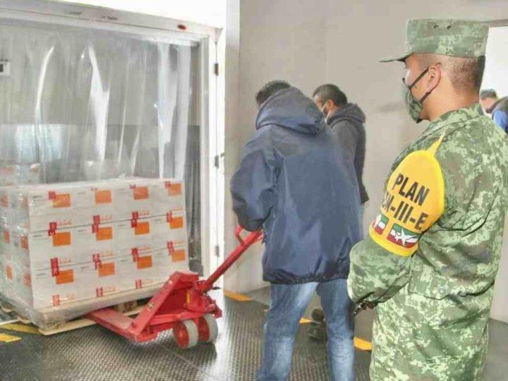 INICIA DISTRIBUCIÓN DE 800 MIL VACUNAS DE SINOVAC PARA APLICAR A ADULTOS MAYORES