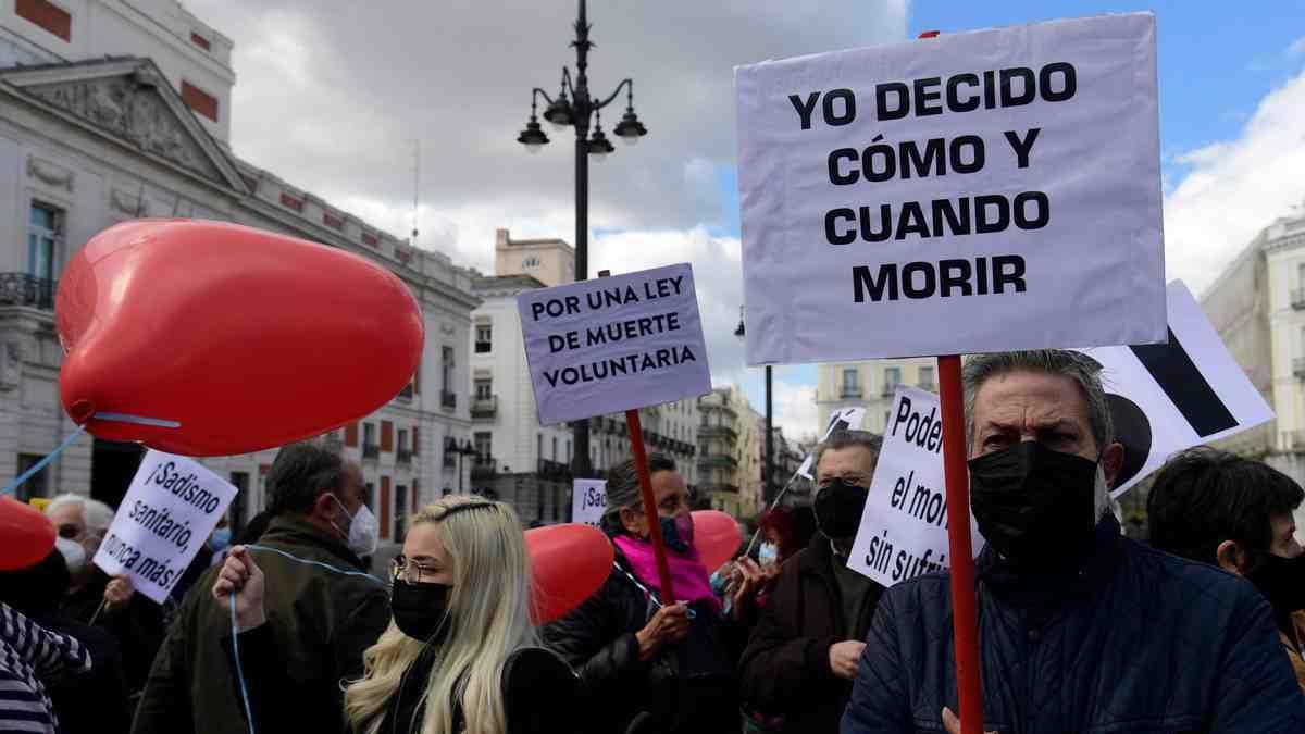 ESPAÑA LEGALIZA LA EUTANASIA Y EL SUICIDIO ASISTIDO