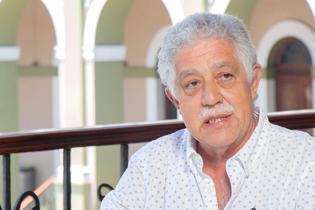 RECONOCE TOMÁS RÍOS TRABAJO DE GUILLERMO RIVAS