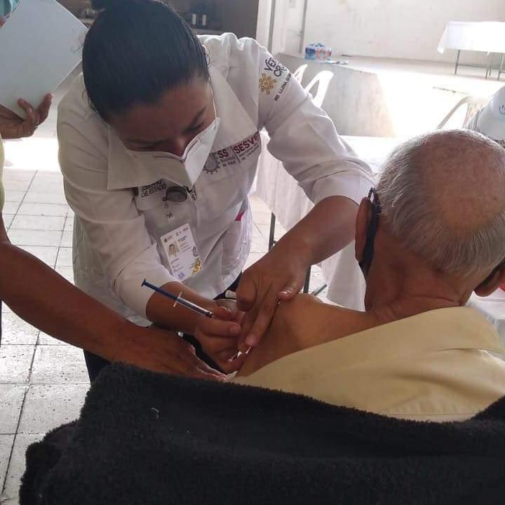 DEMANDAN VACUNACIÓN CONTRA COVID EN COSCOMATEPEC Y HUATUSCO