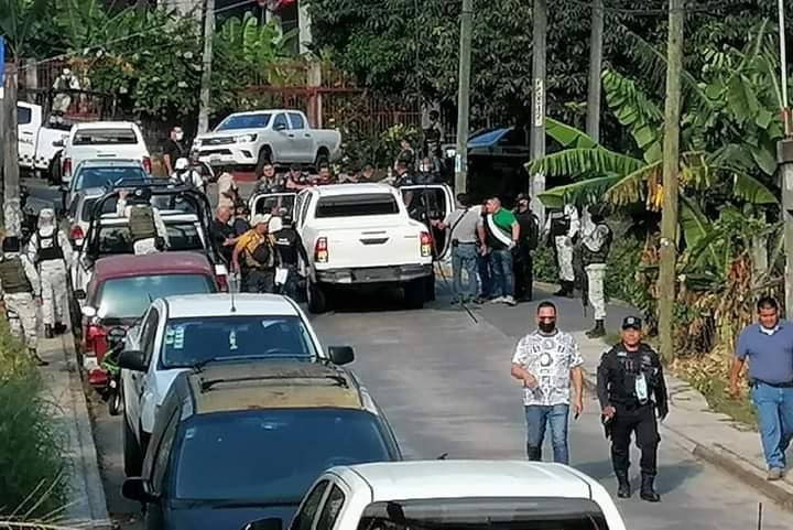 DETIENEN A ELEMENTOS DE LA POLICÍA MUNICIPAL