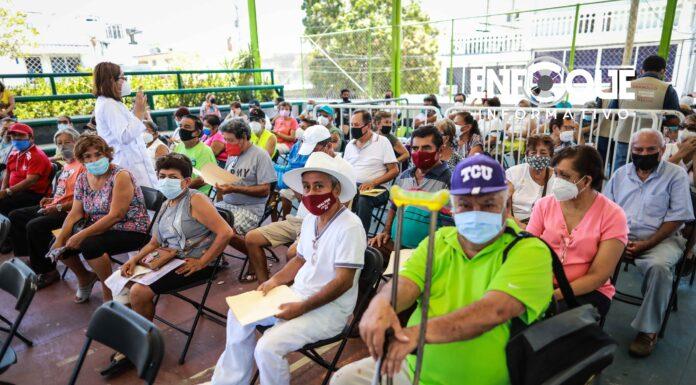 """""""EN ABRIL TERMINARÁ DE APLICARSE PRIMERA DOSIS DE VACUNA ANTICOVID A ADULTOS MAYORES"""": AMLO"""