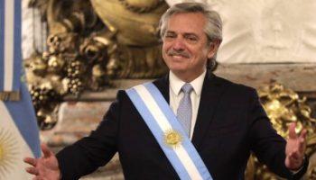 """PRESIDENTE DE ARGENTINA OFRECE DISCULPAS TRAS DECIR QUE """"LOS MEXICANOS SALIERON DE LOS INDIOS"""""""