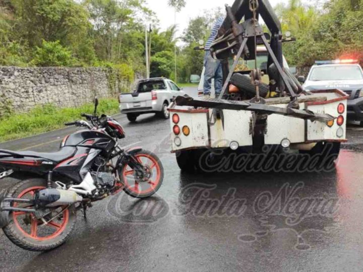 ASEGURAN EN HUATUSCO MOTO CON REPORTE DE ROBO