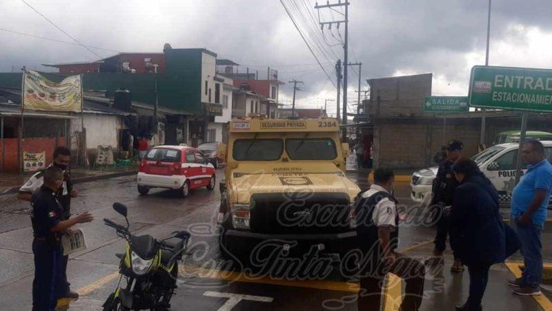 DERRAPA PAREJA FRENTE A CHEDRAUI HUATUSCO